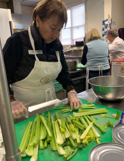 woman-chopping-celery
